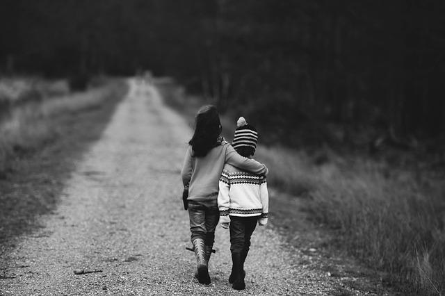 děti na cestě