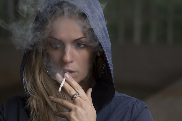 Kouření na veřejnosti je tabu